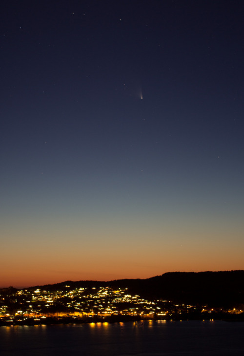 h4ilstorm:  Pan-STARRS over Askøy (by Mostraum)