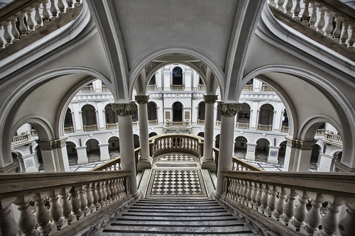 Geometric, Warsaw University, Poland photo via evocative