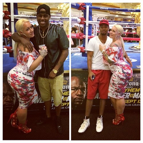 elkestallion:  Making new friends… Da homies @justdub and his crazy friend … 😂 #cali #baby #turnUp in #Vegas #elke #bombshell #mgm #fight #mayweather #fun #thick #curves (at MGM Grand Las Vegas)  I'm still laughing at the second dude who is hesitating on lowering his hand.