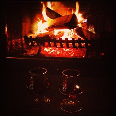 Blueberry Wine by the Fire with @flavoroftheweek (and it's from Jersey) #nj #jersey #jerseywine #wine #fire #flames #fireplace #winter #alcohol #delicious #class #instagood #iphoneonly #4s #love #lowlight #blueberry (at Home, home again… I like to be here when I can)