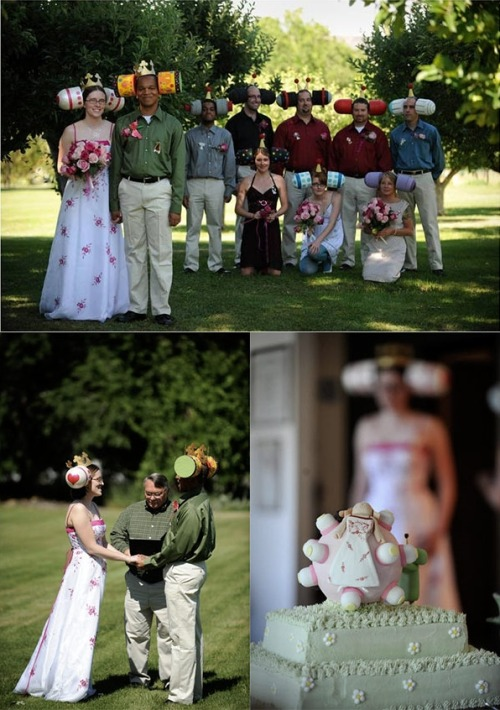 daytri:  9z10:   jhockey:   thedailywhat:   Katamari Damacy-Themed Wedding of the Day: Okay, which one of you guys stole my wedding theme idea and sold it to Aidra and Ernest?! Seriously though, congrats to the happy couple. You win every wedding ever in perpetuity. [via.]    塊魂ウェディング!