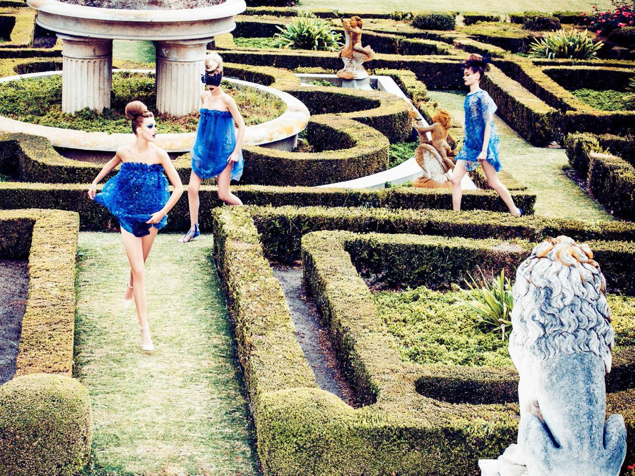 Frida Gustavsson, Tanya Katysheva & Wylie Hays / Photographed by Ellen von Unwerth / Styling by Elisabeth Sulcer, for Vogue Italia February 2014
