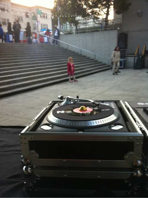Kids love funk. Djing at Oakland art museum currently, till 7pm.