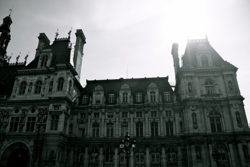 parisbeautiful:  Hotel de ville by moi moi nz on Flickr.