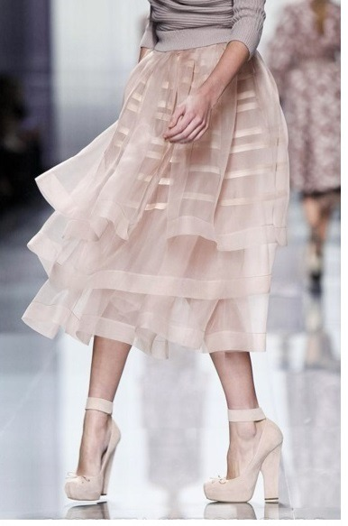 Blush Inspiration Tuesday, April 16, 2013 Blush + Pale  {Petite Parisienne | Cream Wide Grosgrain Double Bow Headband} View Post