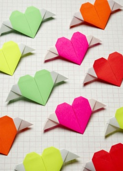 lily-cats:  (via #DIY Origami Heart with wings #valentine #love | DIY)