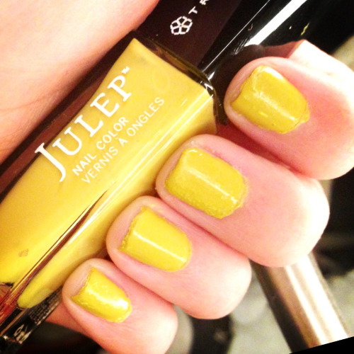 Nothin' wrong with yellow nails in the winter! A beacon of sunshine since MD finally got some today after a week of rain! Thanks Julep!