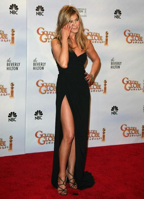 celebrity-legs:Jennifer Aniston