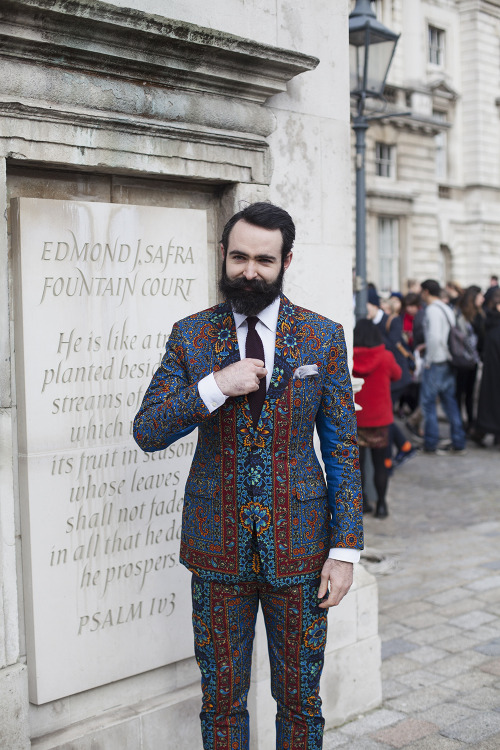 mizufae:  mightseehell:  Seriously colorful suit at LFW today  how incredibly pleasing!