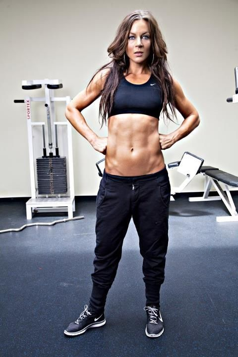 healthy-fit-happy:  I like her pants.