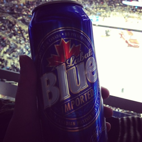 Enjoying a fine beverage. It's a great night for hockey. Even if the store was out of Letang jerseys :(  (at CONSOL Energy Center)