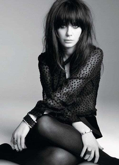 kokoloveschanelandcaramel:  Black&White - Miss Deschanel.