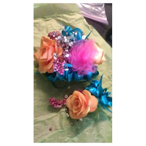 Picked up my Corsage & Boutonniere. @mimibextch <3