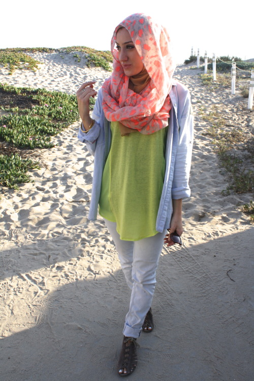 neon scarf: NRFB tan scarf: Vela denim: zara neon top: cotton on