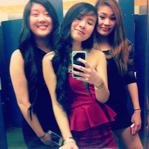 #juiced #cuties #ham #winterball #2013 #wshs #bathroom #LOL #swag #hyphy #instagirls #instafab #mirror @elisatrann @annaxlui