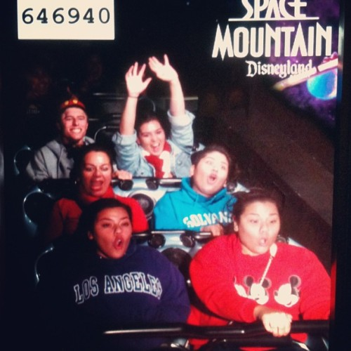 #spacemountain #disneyland #secondhome #funnyfaces 💜😂👍 (at Disneyland Park)
