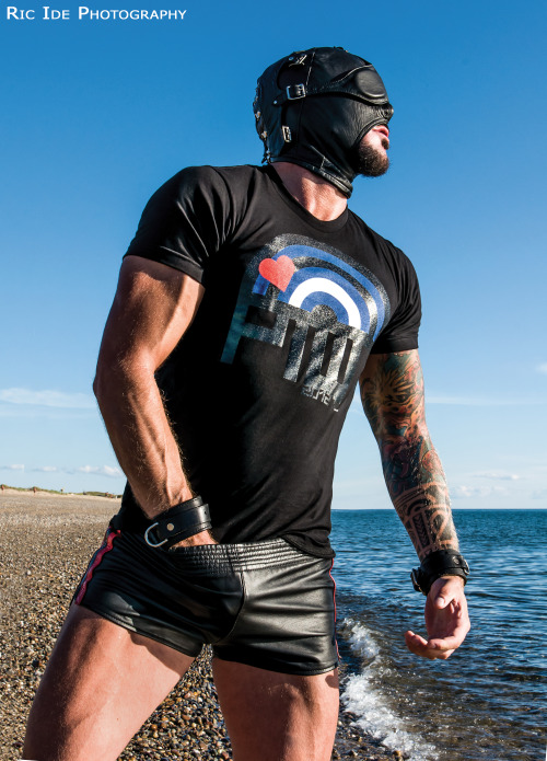 dolfdietrichxxx:  dolfdietrichxxx:  follow him @dolfdietrich on Twitter  Dolf Dietrich in leather