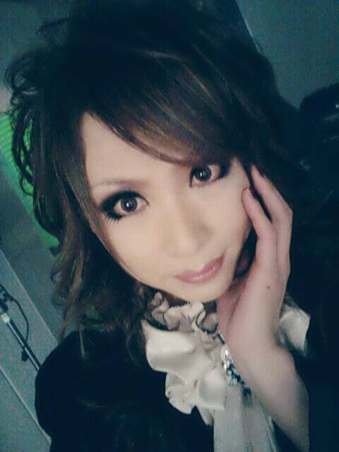 HIZAKI…. Make - up changed today !! What do you think? And shooting still going on ….