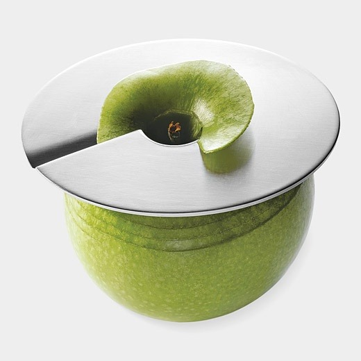 msyskoni:  Geez i need this!!! Fun Apple Slicer. Plus, if you only slice half an apple, you can leave the slicer in place and keep the rest from going brown (koni (msyskoni) on Pinterest)