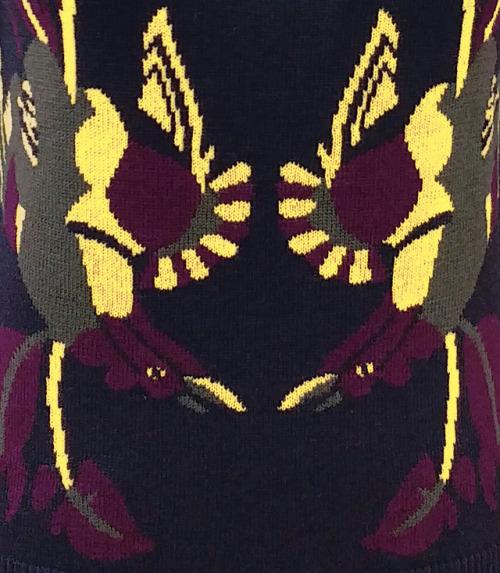 intarsia intarsiaknit intarsiasweater knit knittin knitting knitwear knitstagram knittinginspiration knitspo knitweardesigner fashion fashiondesigner currentmood moodboard trending now thedarkerhorse