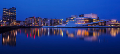 Oslo sealine on Flickr.Shot tonight. I had to go drive down to the train station tonight, so I brought the camera a long. The Oslo Opera house was close, and it's located on beautiful sealine