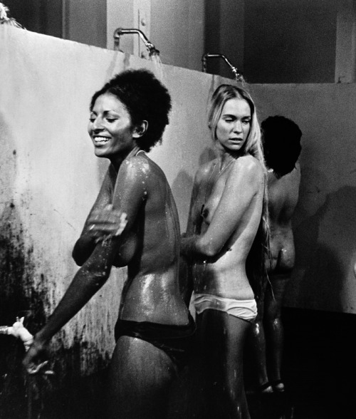 somethingtoseeorhear:  Pam Grier and Margaret Markov Black Mama, White Mama