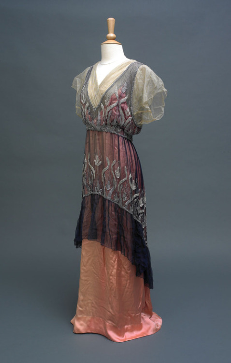 fripperiesandfobs:  Evening dress ca. 1914 From the Hull Museums