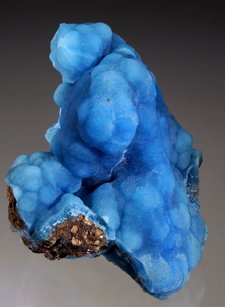 fuckyeahmineralogy:  (via Well Arranged Molecules) Hemimorphite; China