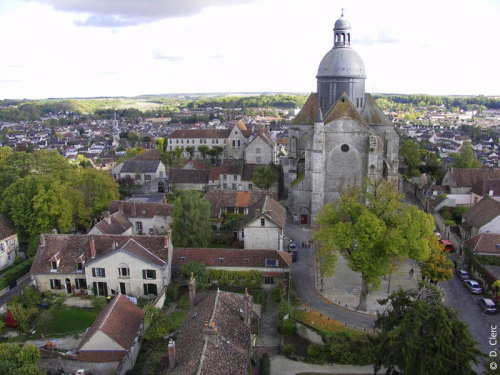 Provins @credits  The fortified medieval town of Provins is situated in the former territory of the powerful Counts of Champagne. It bears witness to early developments in the organization of international trading fairs and the wool industry. The urban structure of Provins, which was built specifically to host the fairs and related activities, has been well preserved.