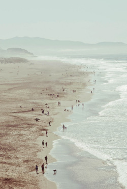 stored-snapshots:  Ocean Beach, SF (by Leslie Gold ۰ (beaut))