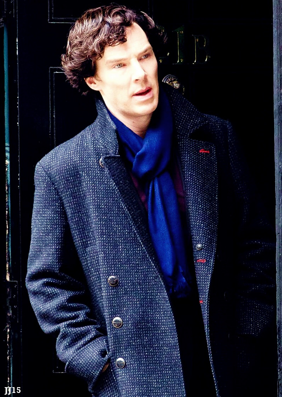 junejuly15:  Benedict Cumberbatch on set in North Gower Street 21/05/13 x