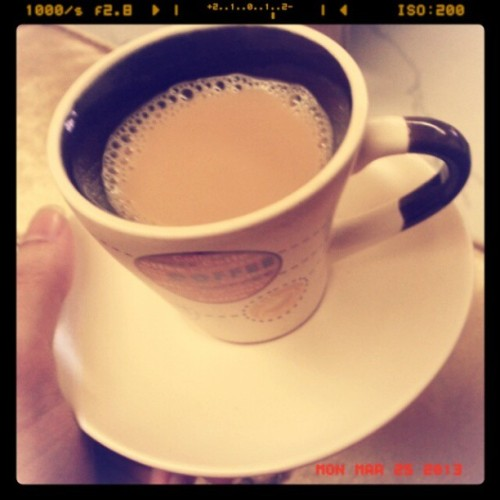 Having karak with sis @maryooma_97 ♥