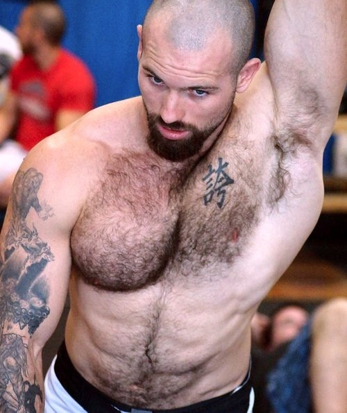 deviantdaddy:  pits i need to lick 40