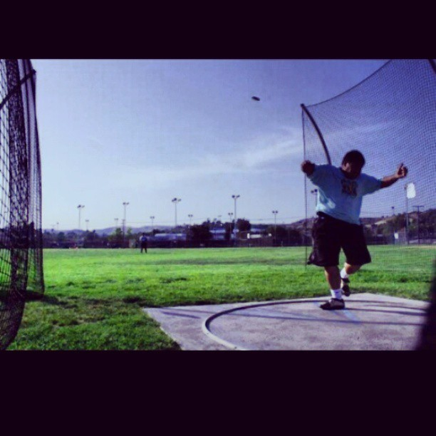 I live to throw. #discus #throwers #senior #2013