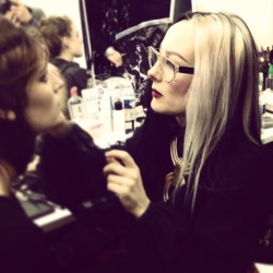 @THEALEXBOX in action, backstage at Gareth Pugh. CE #pfw