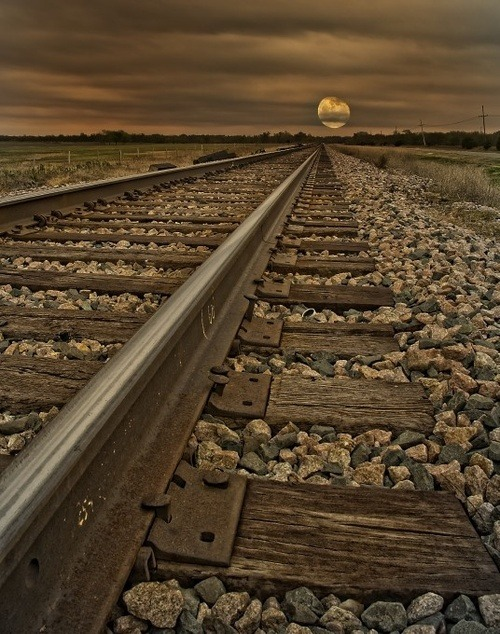 Rail Sunset, North Carolina (carl; via bluepueblo)