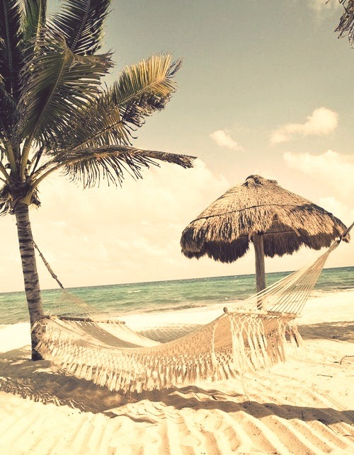 (9) beach | Tumblr on We Heart It - http://weheartit.com/entry/61998054/via/lara_barroso_17   Hearted from: http://vacationyourdreams.tumblr.com/post/50858426894/http-vacationyourdreams-tumblr-com