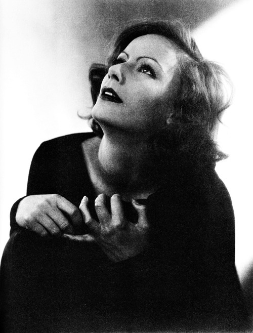 Greta Garbo, photographed by Edward Steichen, 1928.