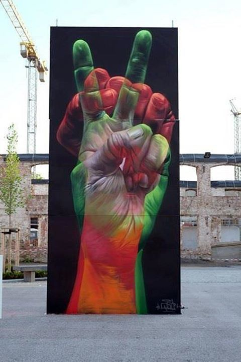 streetartglobal:  Gorgeous work by Case in Germany (from Ma'claim). The level of skill needed to paint something like this is unfathomable!