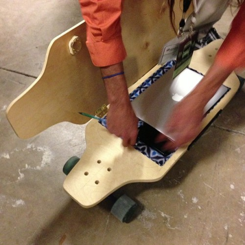 The coolest geek skateboard? @briefskate built this on @StartupBus  (at Rackspace Hosting)