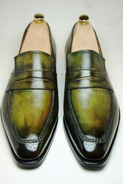 youclevergirl:  Hello, gorgeous! les-belles-chaussures:  Mocassins Berluti - the Andy Warhol model