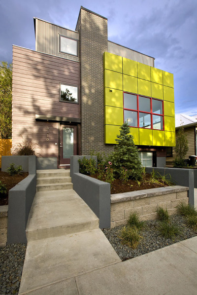 Contemporary and sustainable home: Green Cube