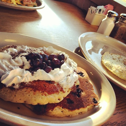 Blueberry Pancakes! #food #breakfast #alldaybreakfast (at Lubbock's Breakfast House)