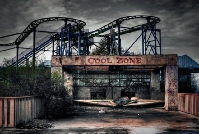 motionburnsthemood:  Abandoned Amusement Park in New Orleans