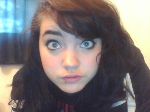 haaaaaaaaaaa…..I looked okay this morning so i took some terrible webcam pics and this is literally the only one where my eyes weren't closed or it wasn't blurryyyyyyy…….