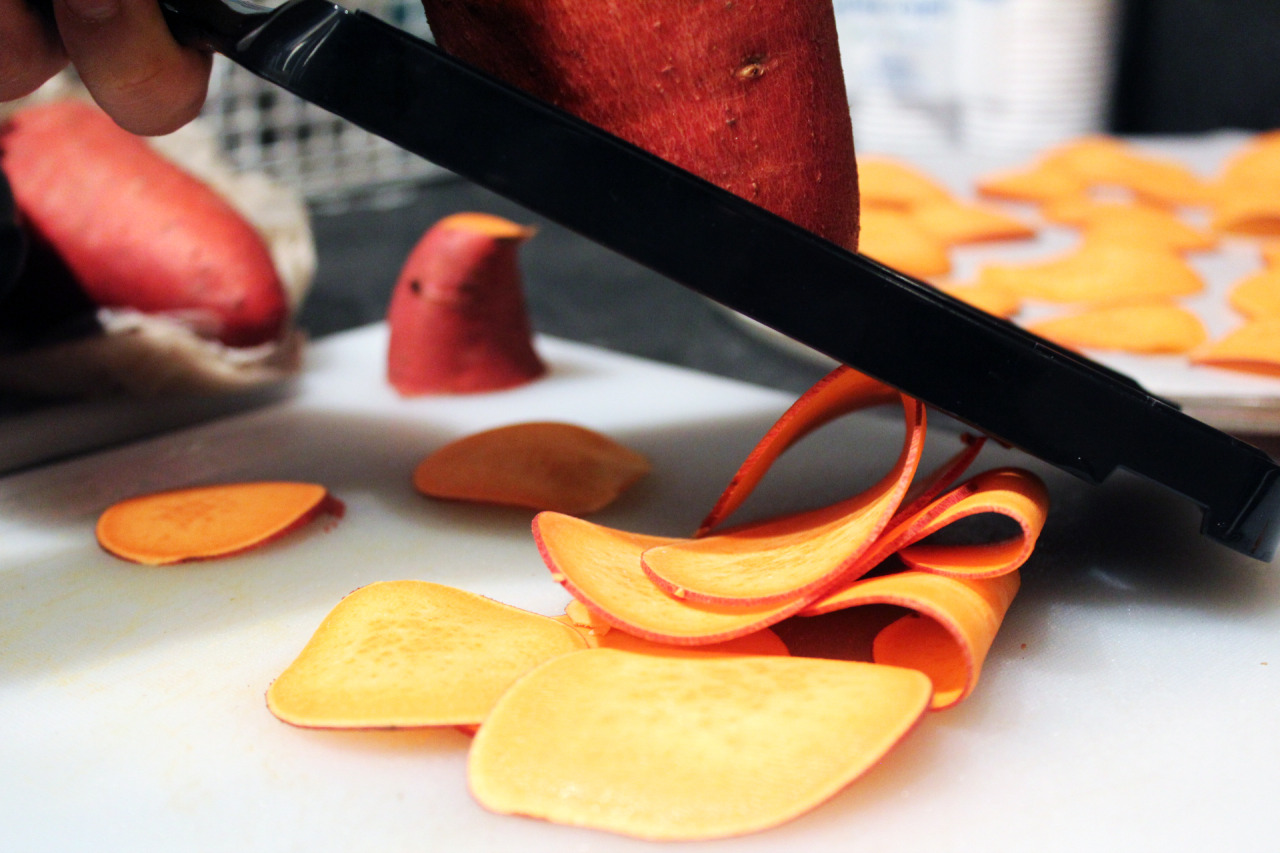 lindanotshealthylife:  happychomp:  5 Minute CRISPY Sweet Potato Chips I was pretty shocked when I discovered this recipe. It's UHMAZING. Total Time: 5 minutes Ingredients: Sweet potato Salt (or any other seasoning) Olive oil spray can Instructions: Use a mandolin and slice up your sweet potato (try to find one that has an even girth throughout the entire length of the potato so you have evenly sized chips) Cut parchment paper the size of your glass plate inside the microwave Lay the chips in a single layer on the parchment paper Lightly spray with non-stick spray and salt them Microwave on 100% power for 2 minutes 30 seconds (Please note: This measurement was for MY microwave, so please be aware of your own) You will know they are done when they start to lightly brown, but do not wait till they entirely brown — that would mean it burnt) Let the chips cool, and they will turn crispy :) PROOF OF CRISPY-NESS (didn't edit the video hehe)   NEED TO TRY THIS OUT!