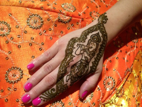 Liz's henna for Elena's wedding: pretty awesome Krishna