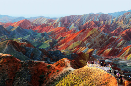 tra-velne-ws:  Colorful Rock Formations, China
