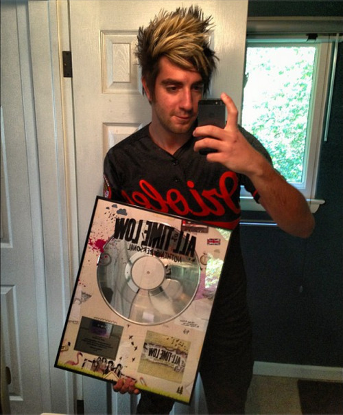 imlostinemptypillowtalkagain:  jackalltimelow Today's already a great day. This just came in