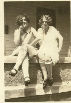 solo-vintage:  Two flappers smoking, c. 1920's